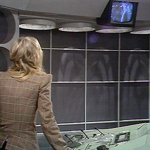 Third Doctors Tardis interior. Console-planet-daleks-3