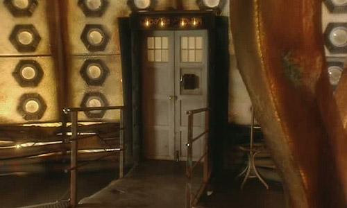 TARDIS Doors & Series One TARDIS Interior - TARDIS Interior and Console Rooms ... pezcame.com